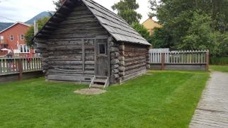 20170802_105016_002 pioneer log cabin